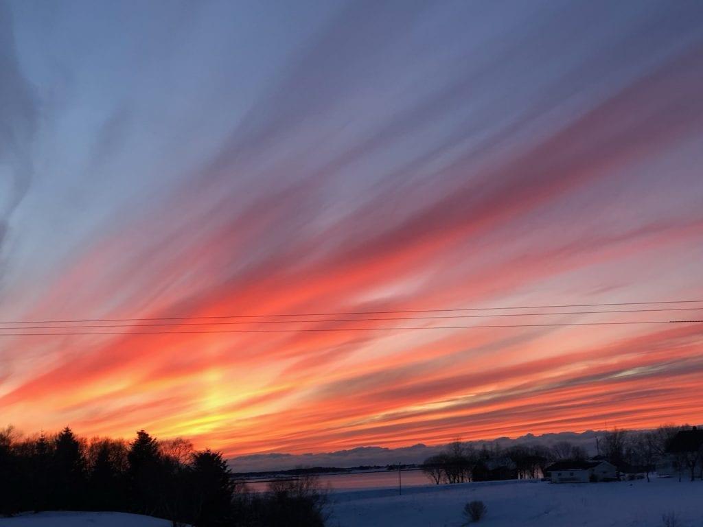 Kveldssol sett fra Søvik. Foto: Hilde Fjellet
