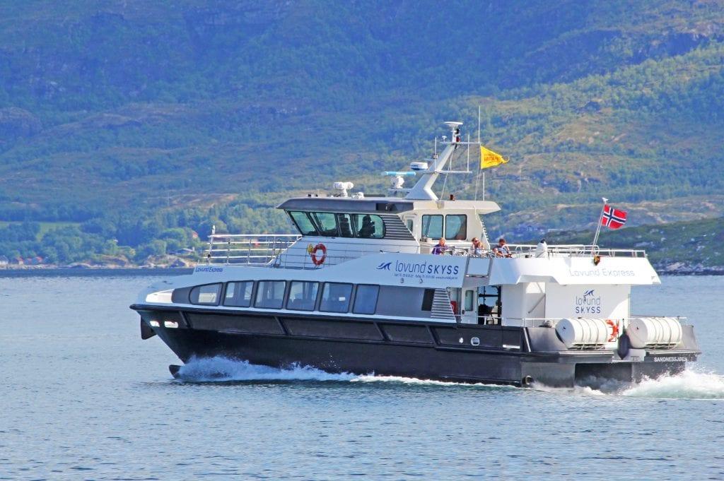 """Hurtigbåtruta fra Sandnessjøen til Myken blir ei egen rute, og """"Helgeland"""" fortsetter å gå to dagturer i trænruta i sommermånedene."""