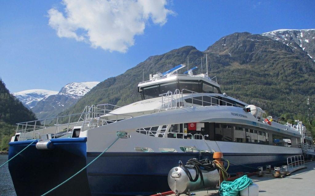 """Den andre av de to nye båtene til Nex-sambandene, """"Regine Normann"""", ble levert tirsdag, vel to måneder seinere enn planlagt."""
