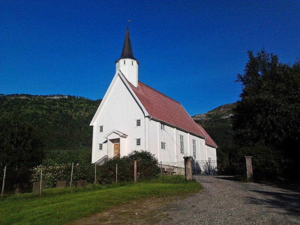 kirka søker prester til ledige stillinger på ytre Helgeland, deriblant her, i Aldersund.