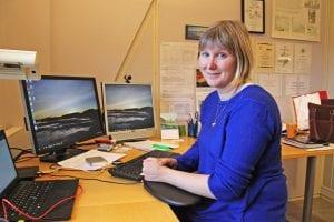 Grete Meisfjord Jørgensen er forsker hos NIBIO på Tjøtta, og eier av Nybrot Gård i Meisfjord.. Både forsking og gårdsdrift handler om miljøarbeid.