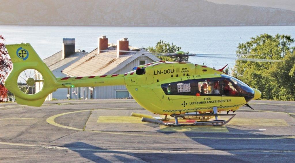 Medisinsk personell på ambulansehelikopteret får om kort tid muligheten til å overføre blod. Det skjer takket være samarbeid med blodbanken i Sandnessjøen.