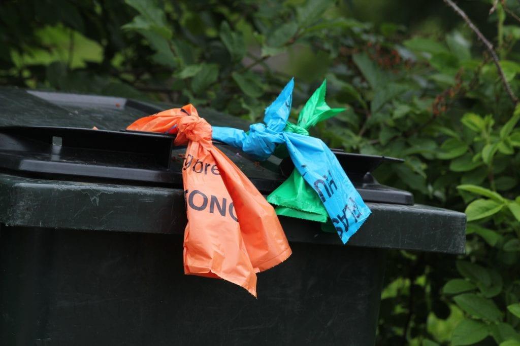 Shmil ser på nye løsninger for søppelhåndtering. Det kan bety mindre bruk av søppelposer , men flere søppeldunker.