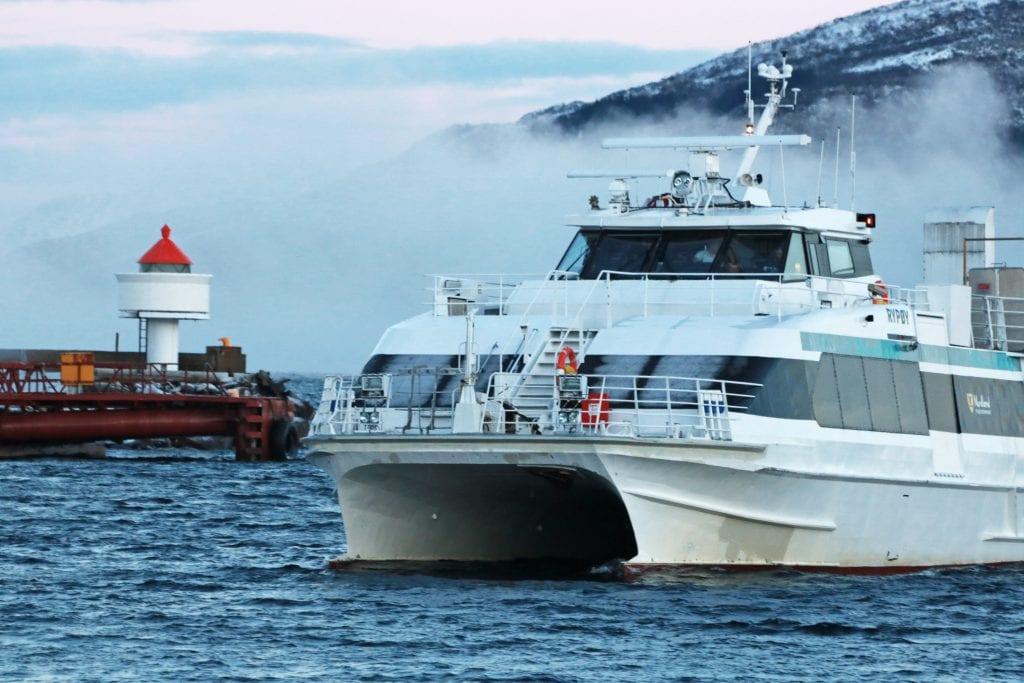 Det som kunne fortone seg som røykutvikling på hurtigbåten Rypøy, viste seg å være vanndamp.