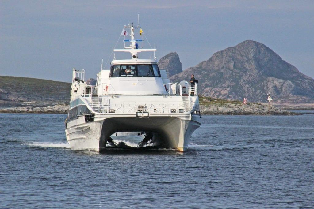 """Kommunestyret protesterte på et nytt ruteforslag som ble lagt fram i høst. Nå foreligger svaret fra fylkeskommunen. Det vil ifølge ordfører Jan Helge Andersen gi et """"fryktelig mye verre"""" tilbud."""