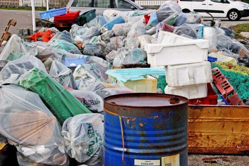 Strandryddeuka må vente til i høst på grunn av koronapandemien. Men det er fortsatt mulig å gjennomføre private ryddeaksjoner.