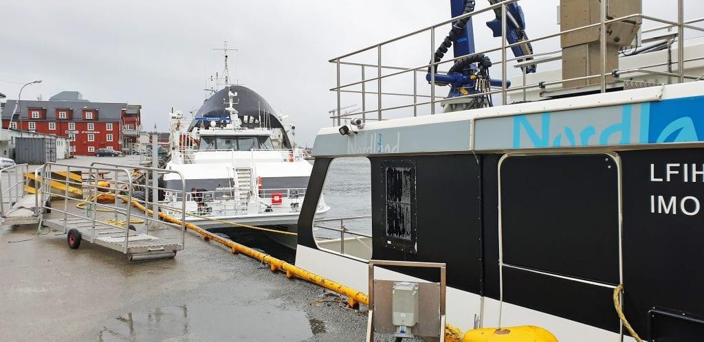 Rypøy kjører stadig ekstraturer mellom Vega og Sandnessjøen på grunn av manglende landstrøm ved nykaia på Gardsøya.