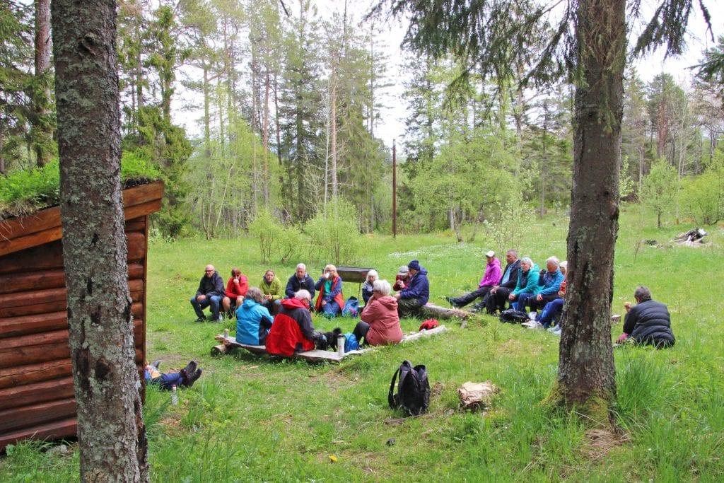 Ytre Helgeland revmatikerforening inviterer medlemmer i fire kommuner med på en årlig utflukt. I år gikk turen til Tjøtta.