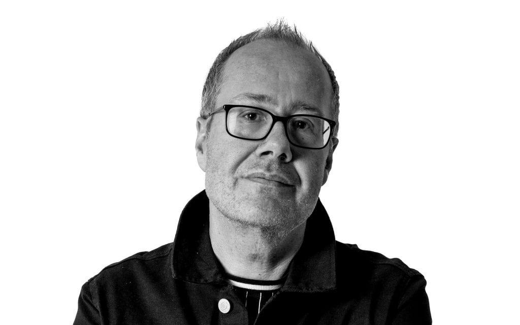 Jan-Arild Sørnes mener det er feil å åpne for turister utenfra når eldre samtidig må finne seg i strenge koronatiltak på sykehjem.
