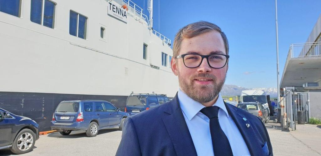 Fylkesråd for transport og logistikk, Bent-Joacim Bentaen, skal besøke Træna.