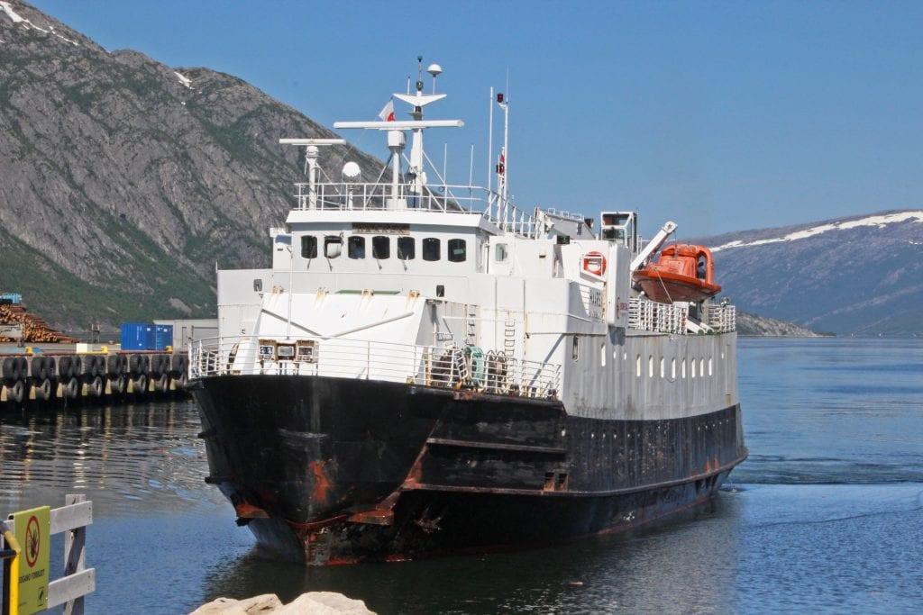 Ferja Kvitholm, som ble bygd i 1964, skal avløse Haarek i ferjesambandet på Vefsnfjorden.
