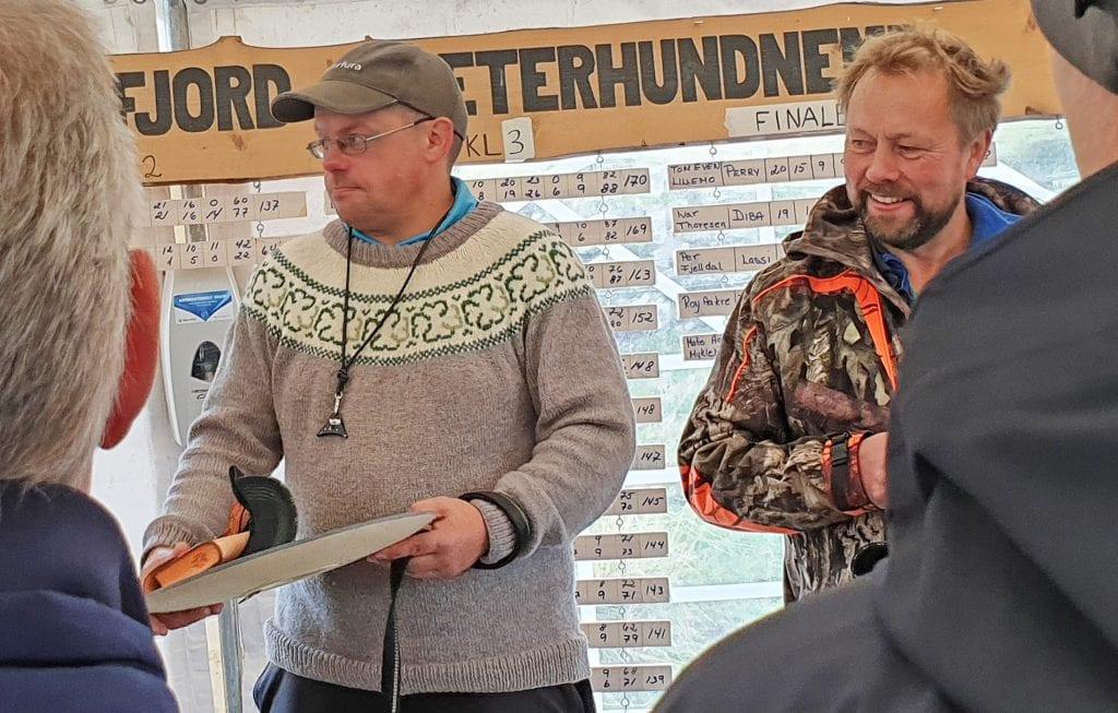Perry fra Bleikvassli ble beste firbeinte gjeter i fylkesmesterskapet i bruk av gjeterhund.