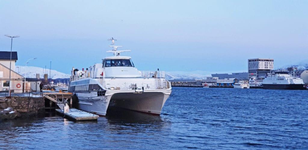 Selvær blir fortsatt liggested for hurtigbåten i noen uker.
