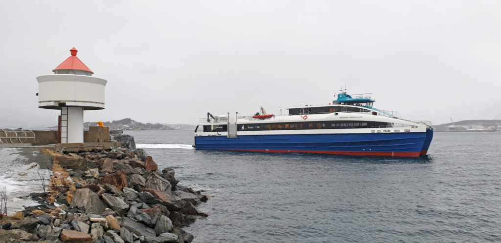 """En ny rapport advarer mot at fylkeskommuner skal eie båter, slik nylig ankomne """"Fredrikke Tønder-Olsen"""" er et eksempel på."""
