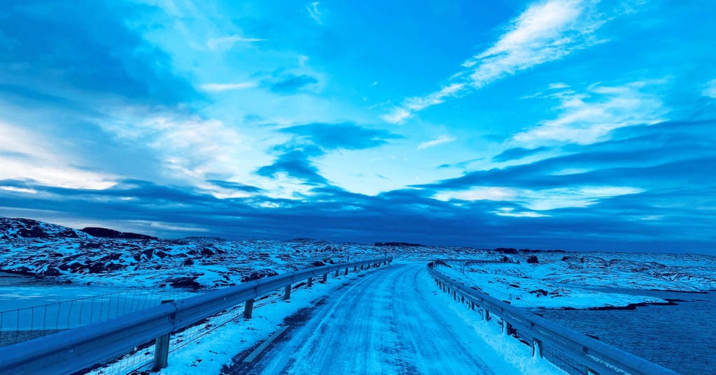 Den blå timen på helgelandskysten er tema for nye bilder fra Anne Sissel Simensen.