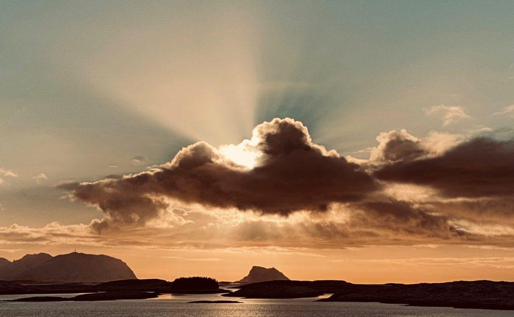 Anne Sissel Simensen har fotografert vakre vinterdager på ytre Helgeland.