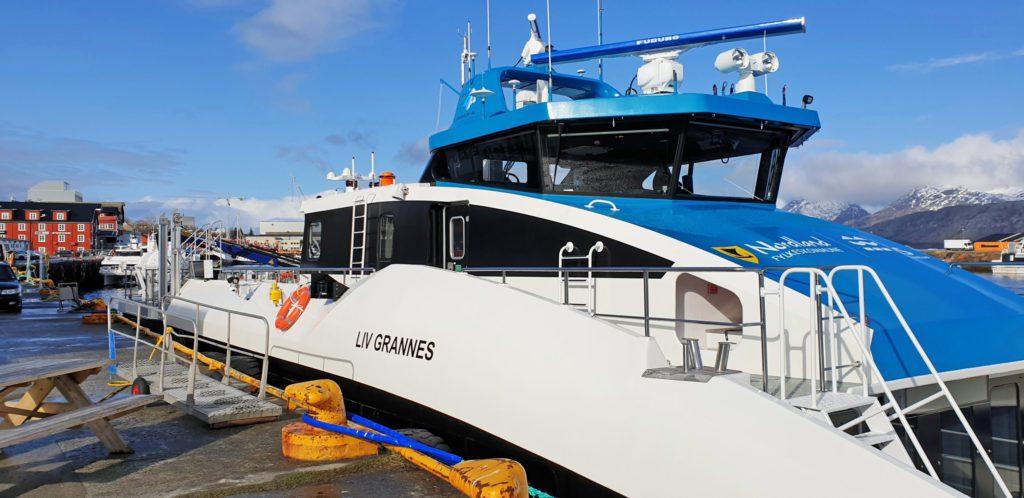Herøyruta har fått ny hurtigbåt, men den kan ikke anløpe to av kaiene i ruteområdet.